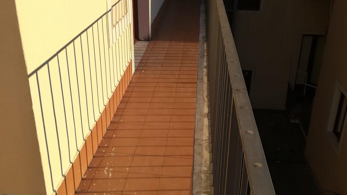 Catania corso italia 3 1 2 vani con terrazzino for Corso arredatore d interni catania